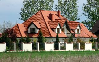 Вальмовая крыша отходы металлочерепицы