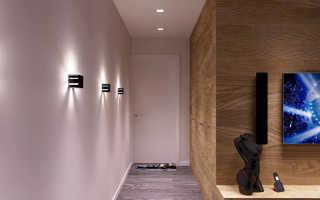 Белые стены в коридоре