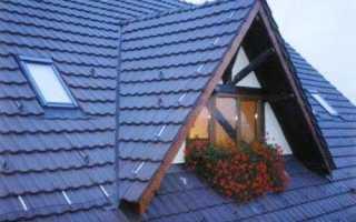 Вальмовая крыша с кукушкой
