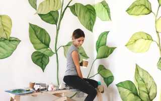 Белая стена с рисунком