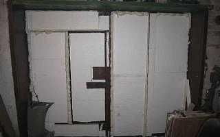 Как утеплить щели в гаражных воротах